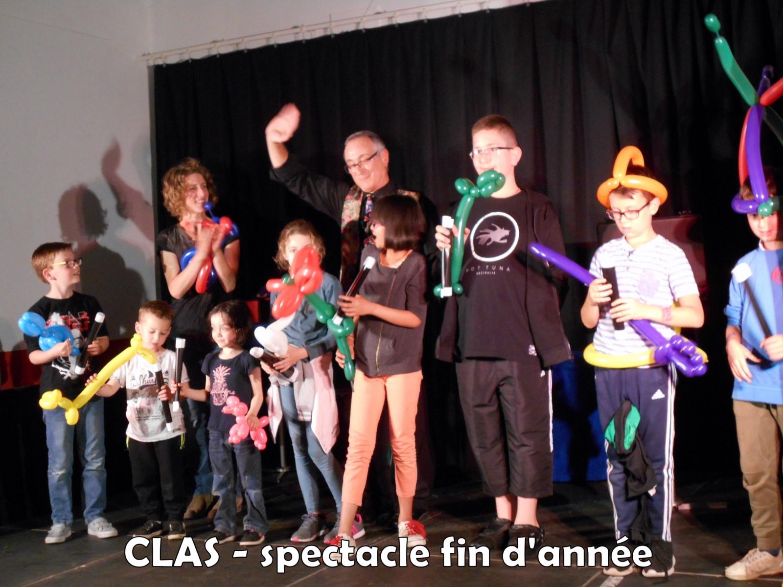 45Spectacle Fin d'année des CLAS (2)