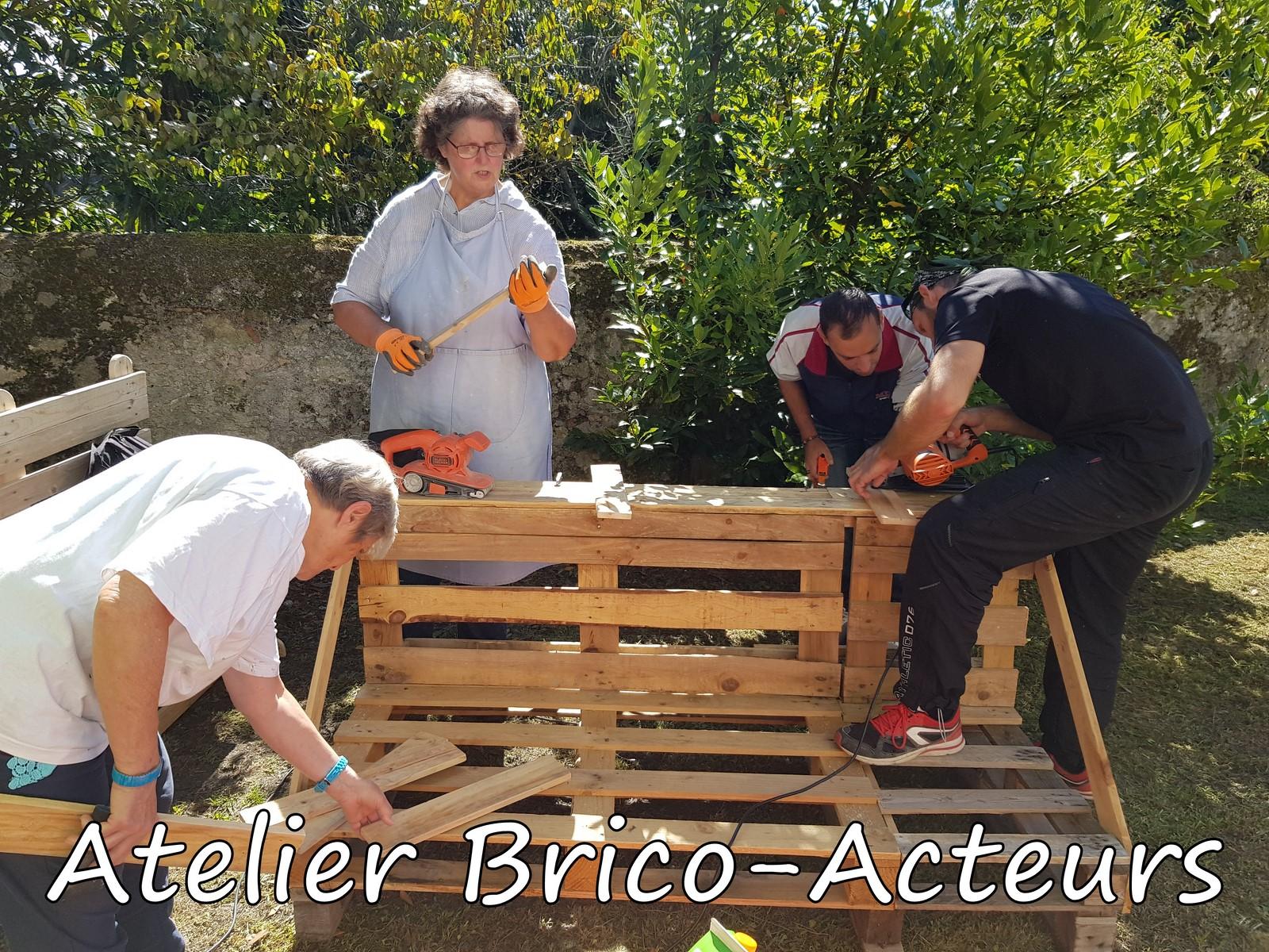 Atelier-Brico-Acteurs-Construction-en-palettes