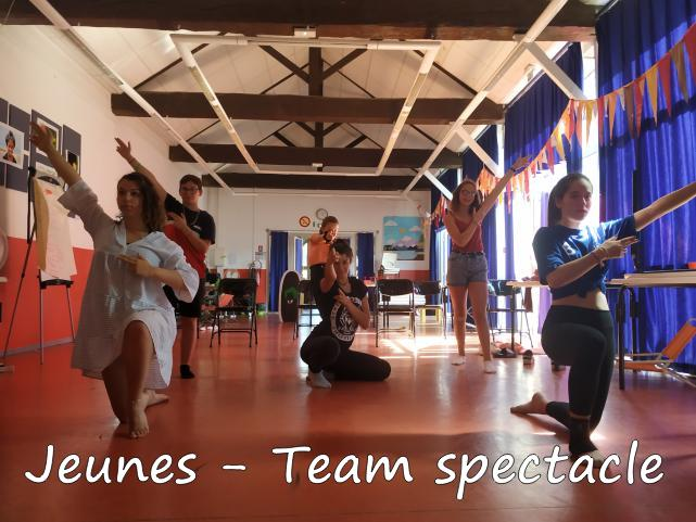 Team-Spectacle-2