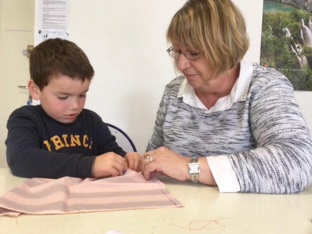 Atelier couture et enfants de l'Amicale Laïque
