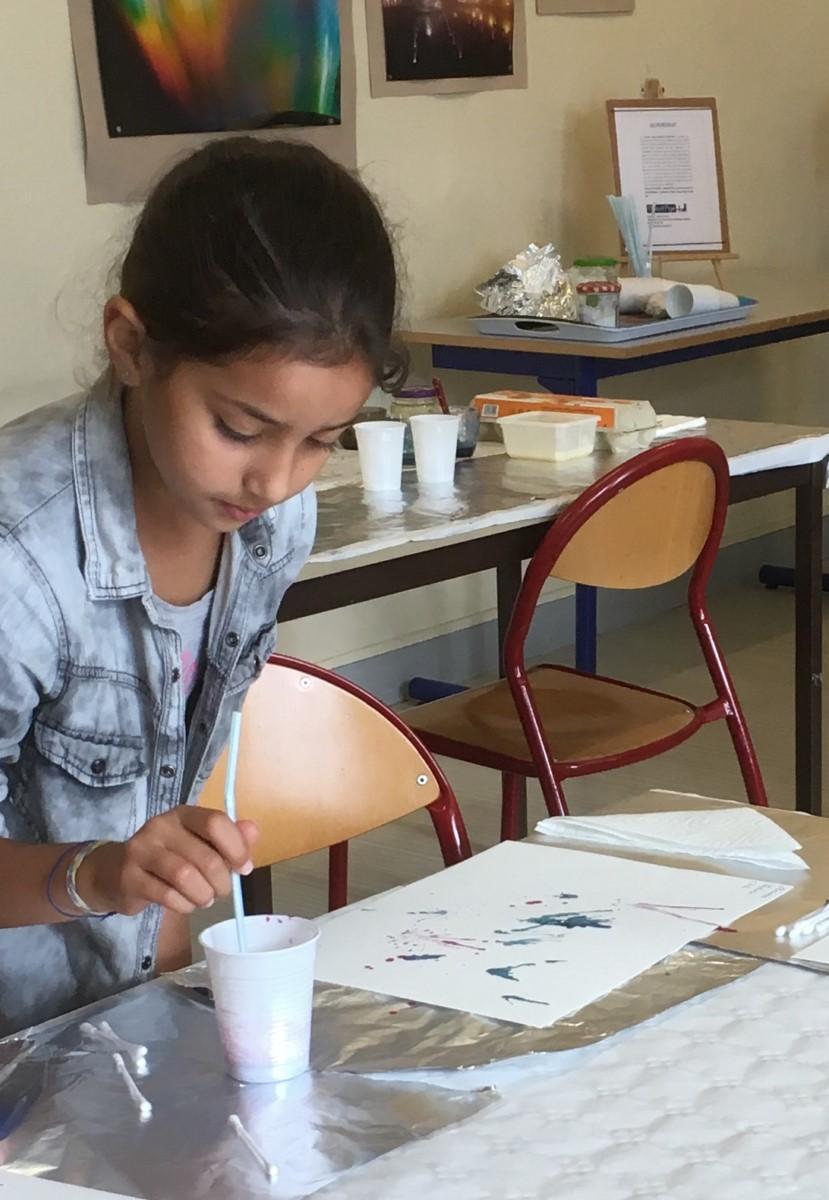 11)Peinture sur papier