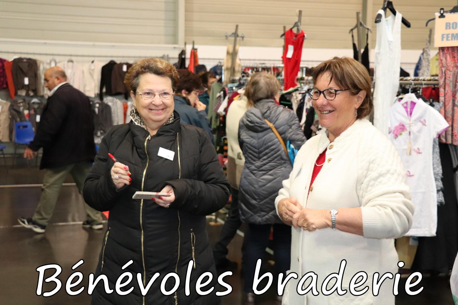 Benevoles-braderie-2