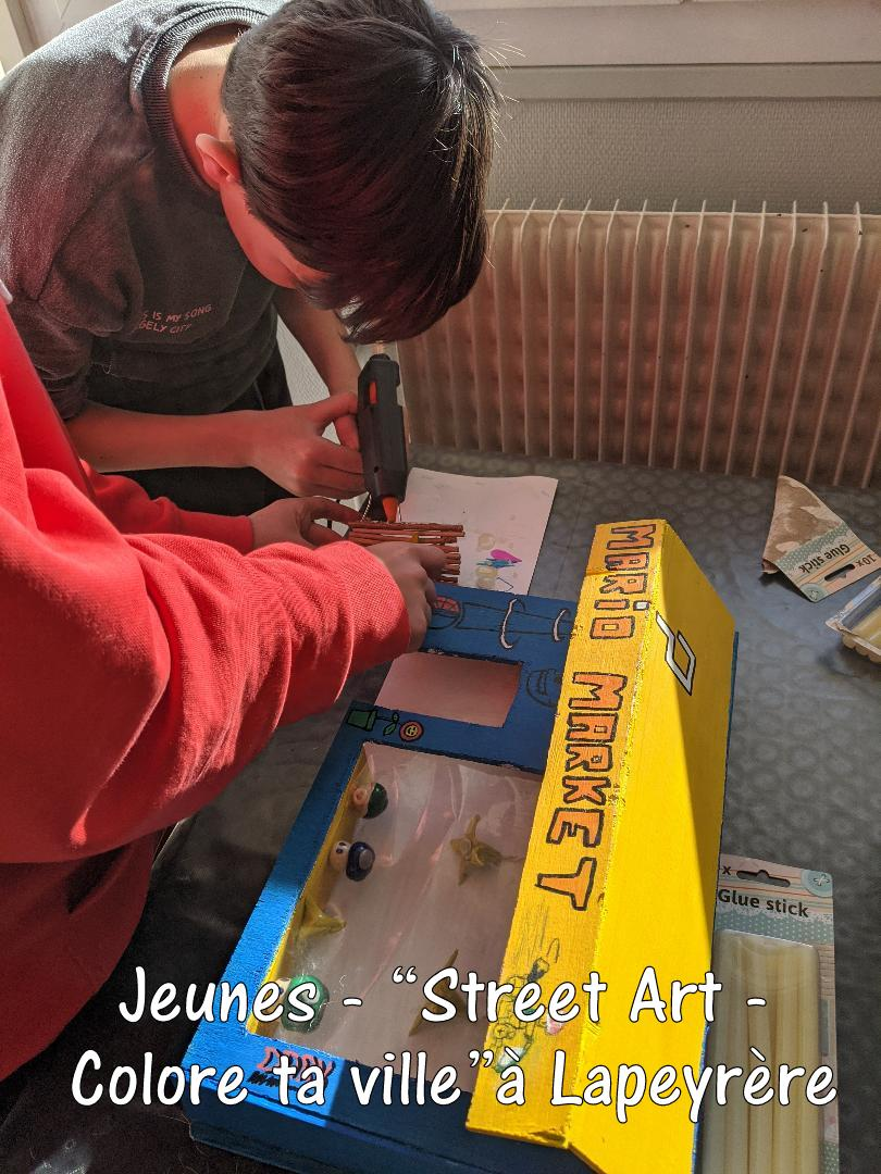 Street-Art-Colore-ta-ville-a-Lapeyrere