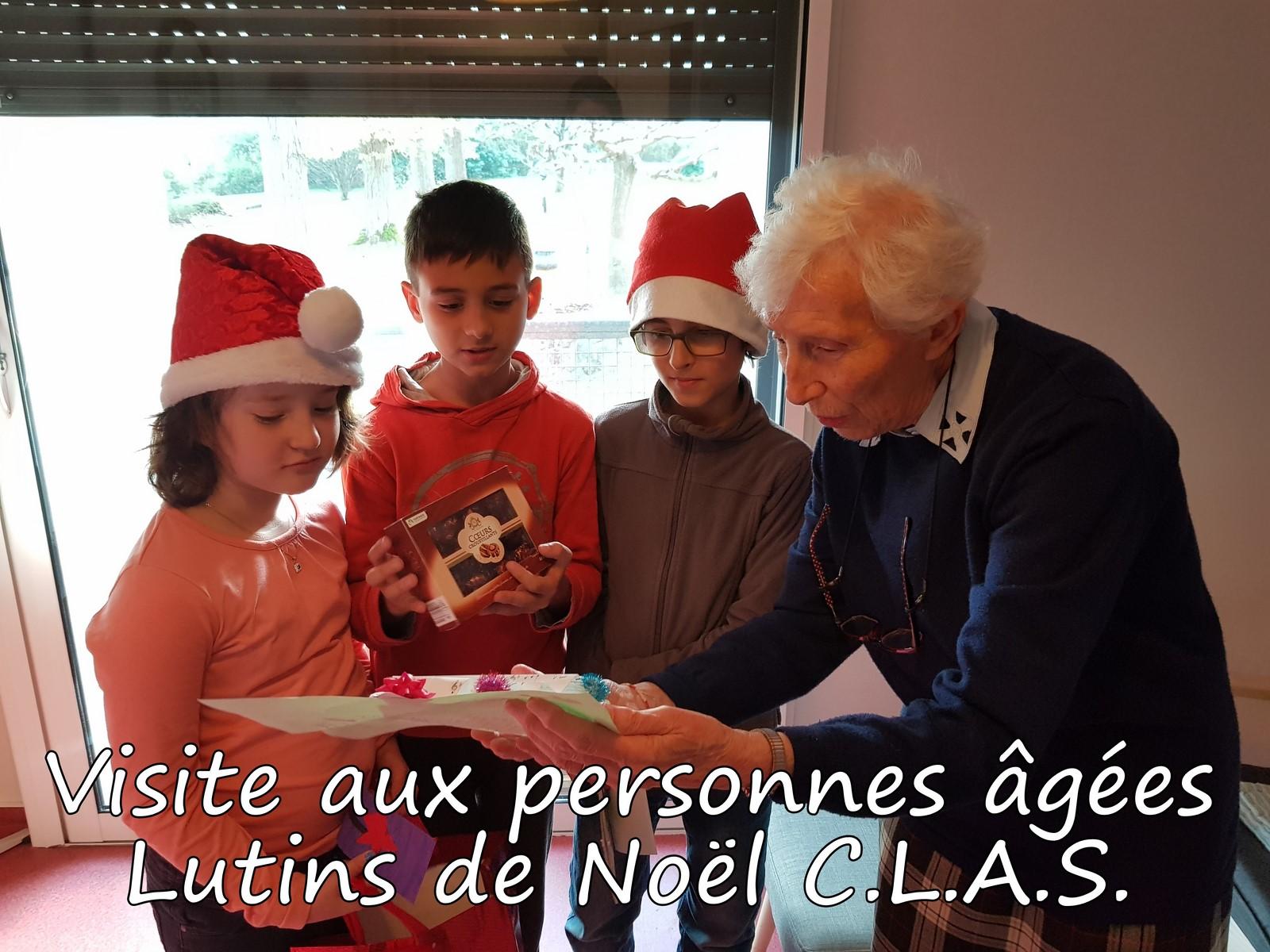Visite-aux-personnes-agees-Lutins-de-Noel-CLAS